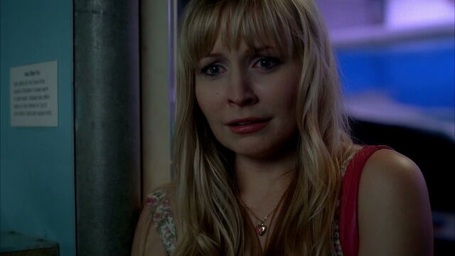 File:3x09 -hadley finds out her son hunter is a telepath like sookie.jpg