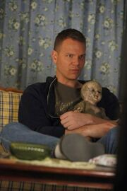 S4 Hoyt with creepy doll