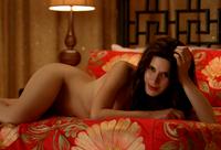S05E03 Salome bed