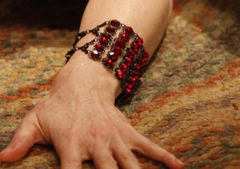 File:Marianna-harutunian-red-swarovski-crystal-black-metal-bracelet-gallery.png