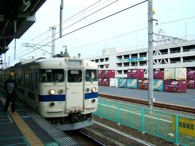 File:Tsuchiura+station-7476.jpg