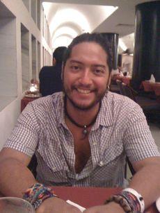 File:ÓscarFlores.jpg