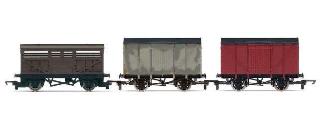 File:Hornby3-WagonPack.jpg