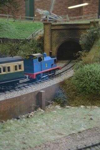 File:TunnelDraytonManor2.jpg