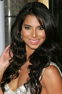 Roslyn Sanchez 5