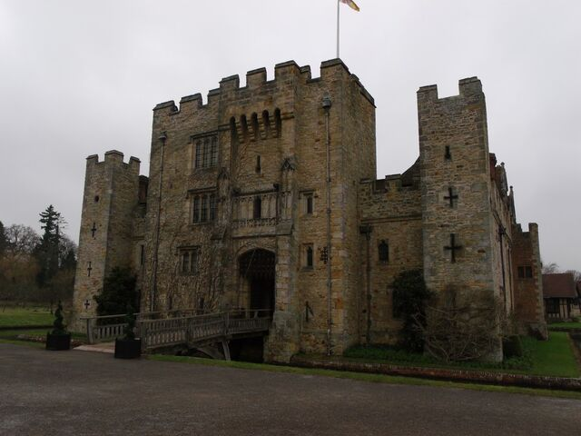 File:Hever Castle 069.jpg