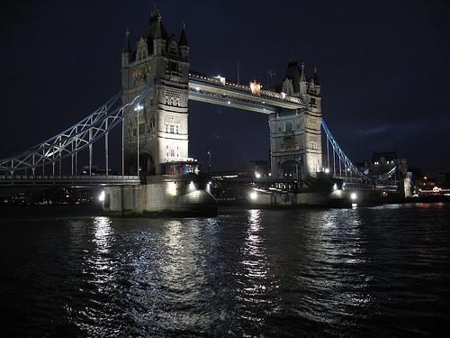 File:Tower Bridge .jpg