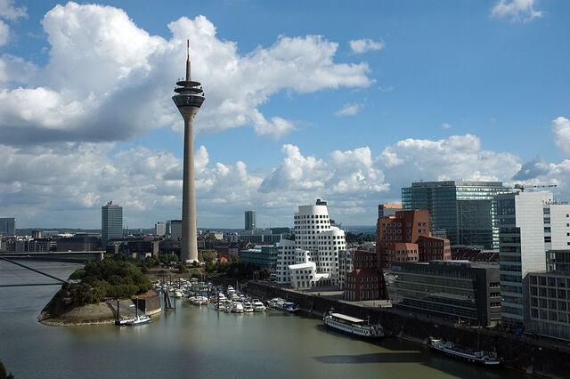 File:Dusseldorf.jpg