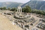 Delphi, Tholos (6220581621)-1-
