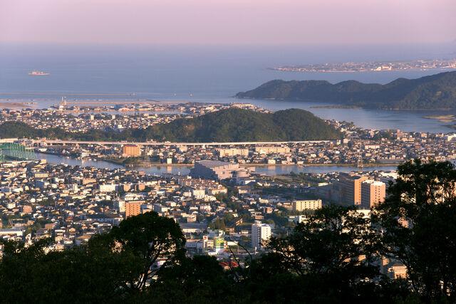 File:Bizan Tokushima05s5-1-.jpg