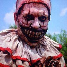 American Horror Story 4x01 002