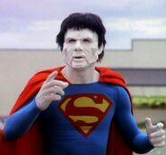 Superboy 2x06 001