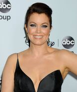 Bellamy Young 006
