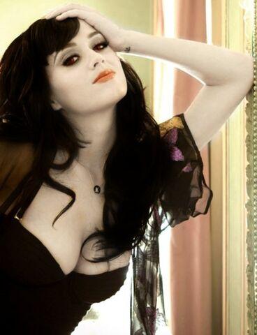 File:Katy Perry Twilight Vampire by ShadowofYourHeart27.jpg