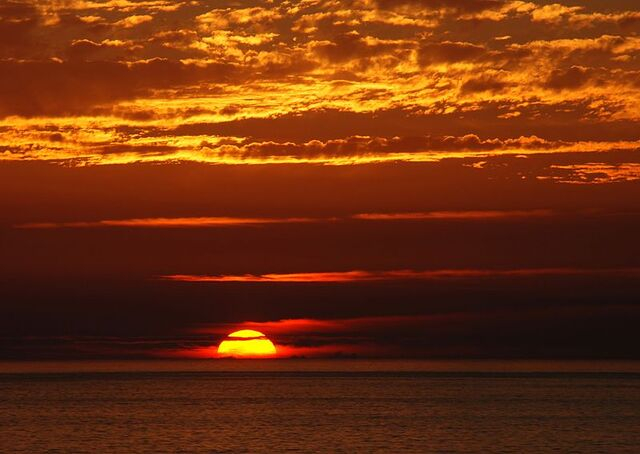 File:800px-Sunset 2007-1.jpg