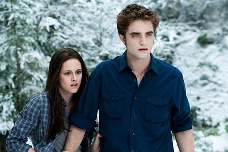 File:Edward and Bella(2).jpg