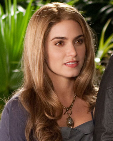 File:BD-2-pic-Rosalie-breaking-dawn-part-2-33095744-400-500.jpg