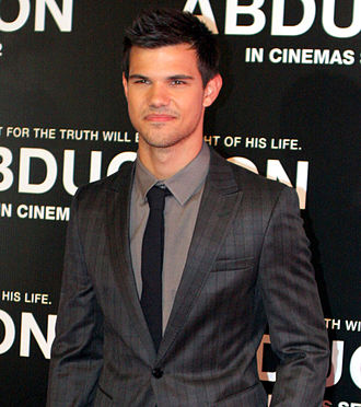 File:330px-Taylor Lautner 2011, 2.jpg