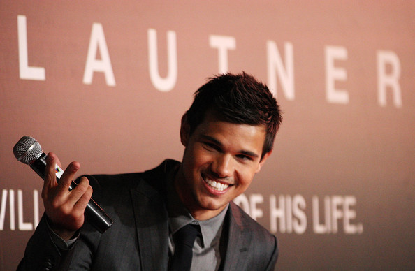 File:Taylor-lautner-sydney-abduction-premiere-1.jpg