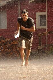 Breaking-dawn-photo-still-jacob-black-running-rain