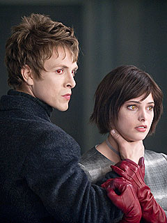 File:Cullens-New Moontwilight-240.jpg