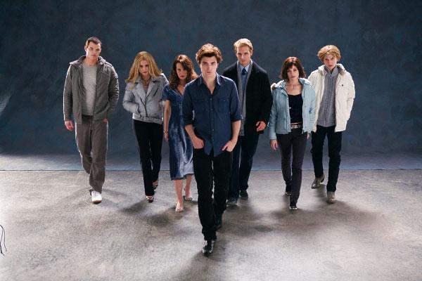 File:Twilight-movie-cast-photo-3.jpg