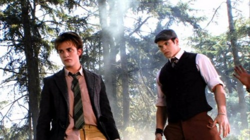 File:Twilight-set-photo-edward-cullen-emmett-500x281.jpg