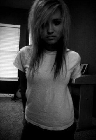 File:Fake girl.jpg