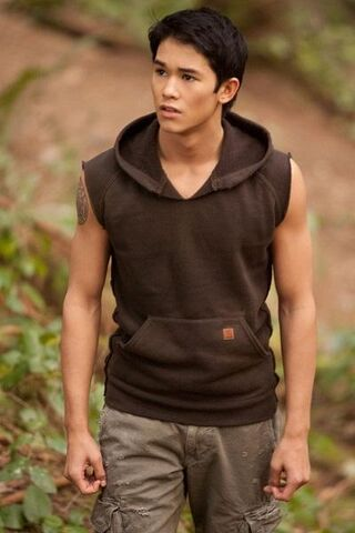 File:Booboo-stewart-in-breaking-dawn-part-1 400x600.jpg