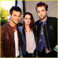 Kristen-stewart-robert-pattinson-teen-choice-awards-2012