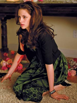 File:Twilight-bella-dress l.jpg