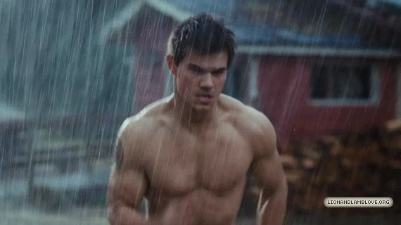 File:-Breaking-Dawn-Part-1-Official-Trailer-taylor-lautner-22707230-570-320.jpg