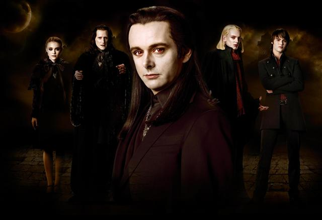 File:Aro-and-the-Volturi-Coven-team-aro-8603430-2560-1755.jpg
