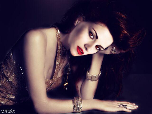 File:Bella-Cullen-Breaking-Dawn-twilight-series-11826468-1600-1200.jpg