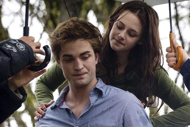 File:Twilight-402-3-large.jpg