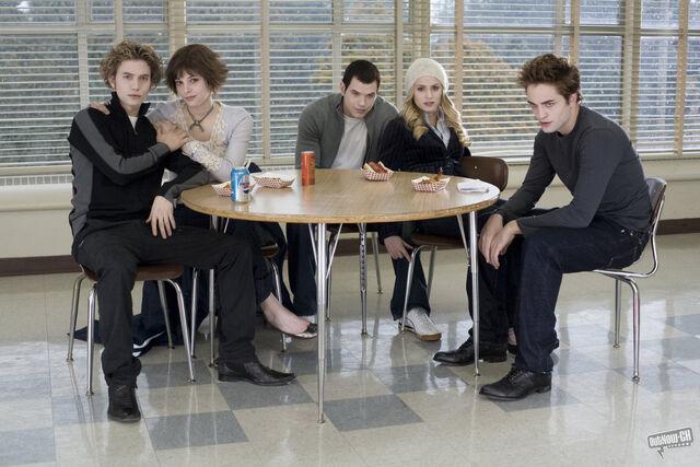 File:Cullens1321684.jpg