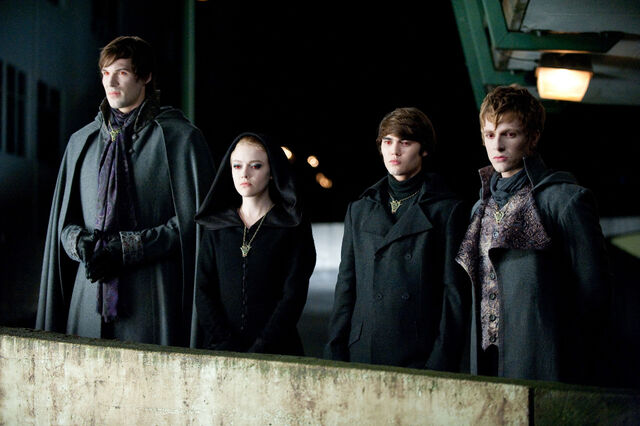 File:Alec, Jane, Felix And Demetri (Eclipse movie still).jpg