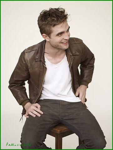 File:Robert Pattinson 111.jpg