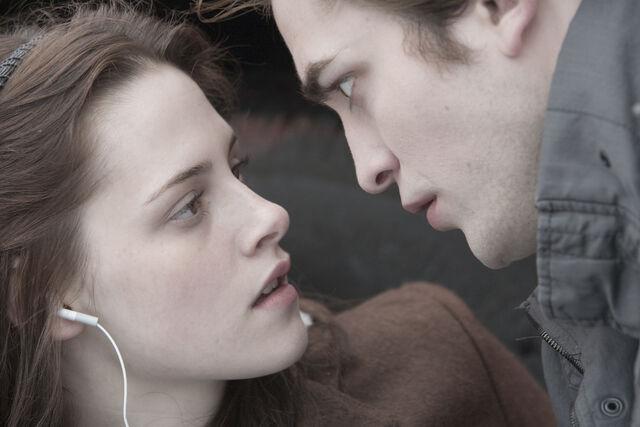 File:Twilight (2).jpg
