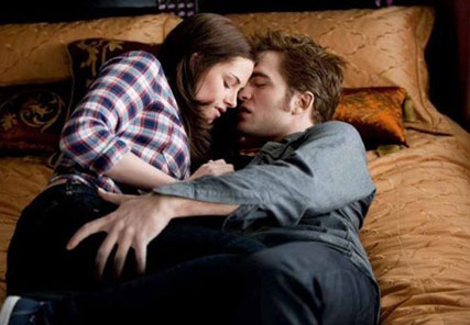 File:Bella-edward-twilight-eclipse2.jpg