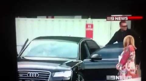 Robert Pattinson - Sydney airport - Oct 21