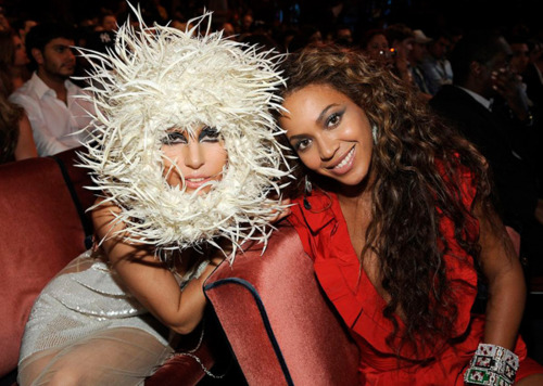 File:Gaga & beyonce.jpg