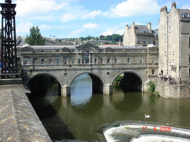 File:Pulteney Bridge in Bath.JPG