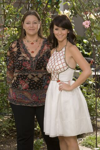 File:Delia and Melinda05.jpg