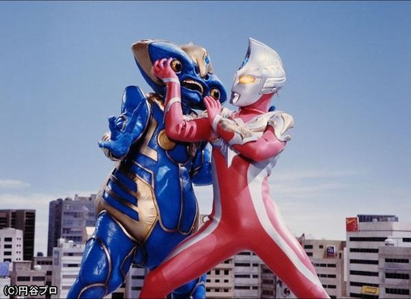 File:Max vs Alien Shamer.jpg