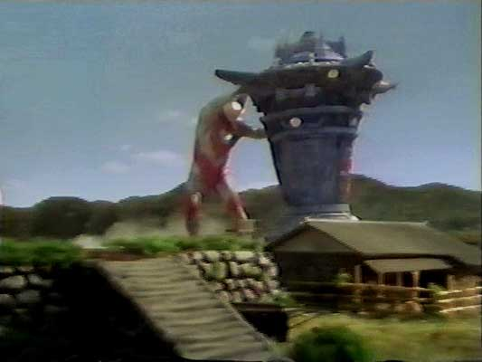 File:Tenkai vs. Ultraman Gaia2.jpg