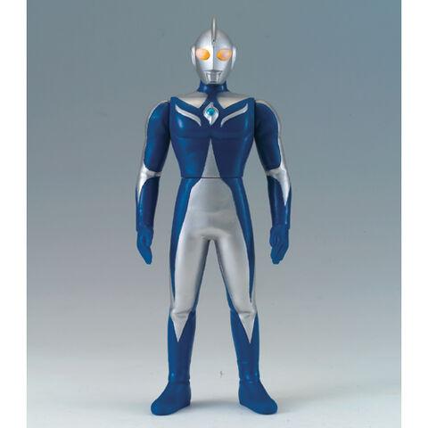 File:UHS-Ultraman-Cosmos-Luna.jpg