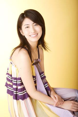 File:Hitomi cute really.jpg