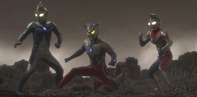 File:Ultraman-Saga-2012-4.jpg