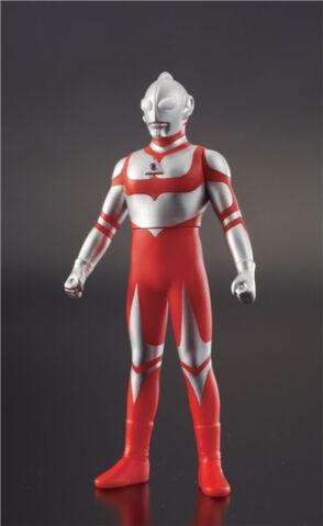 File:UHS-2009-14-Ultraman-Great.jpg